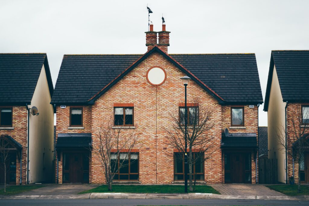 when to sell the house during divorce before or after